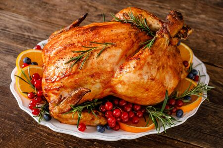 Christmas turkey. Traditional festive food for Christmas or Thanksgiving 免版税图像