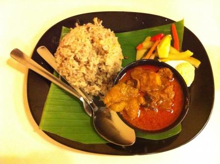 chicken curry: H�hnchencurry gesetzt Mahlzeit im Restaurant