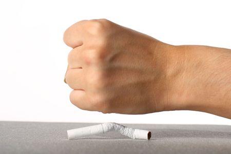 ordenanza: Mano rompió el humo de cigarrillos no concepto