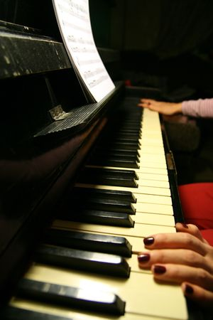 artist play on piano very well photo