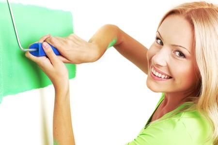 mujer pinta el pincel de pared Foto de archivo - 8586981