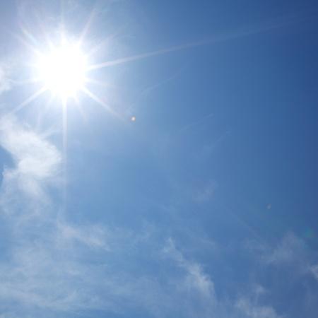 sun in blue day sky Stock Photo - 8821886