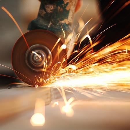 molinillo: hasta cerrar aserrado metal chispas aerosol