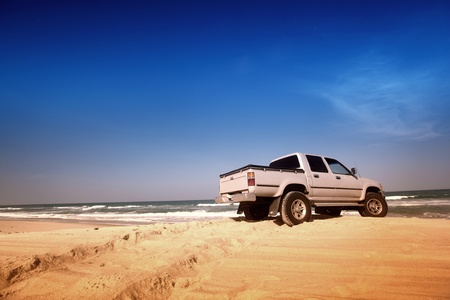 off road vehicle: go by car to ocean coast