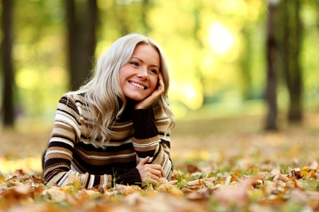 autumn woman portret in park photo