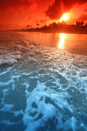 landscape ocean sunrice golden sky Stock Photo - 9258604