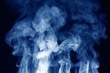 incienso: fondo abstracto humo luz en la oscuridad
