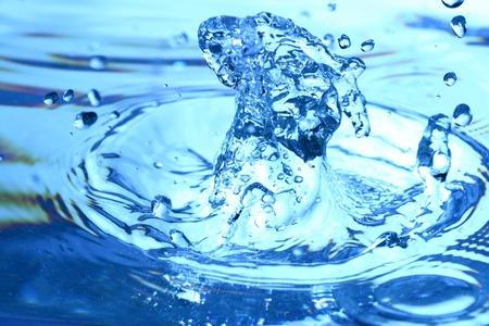 blaue Wasser splash Makro Nahaufnahme Standard-Bild