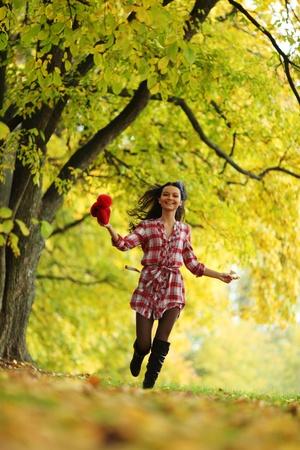 autumn woman portret in park Stock Photo - 10522826
