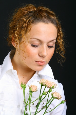 intresting: girl with flower rose look arownd to se something intresting