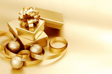 christmas drink: golden christmas background gifts ball