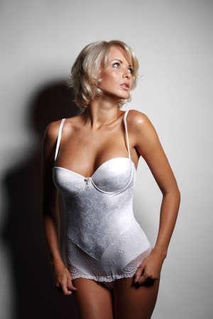 beaux seins: sous-vêtements femme en studio Banque d'images