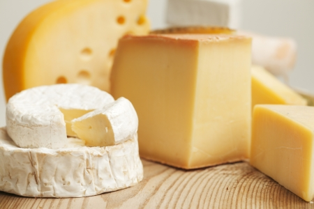 sliced cheese: Various types of cheese composition