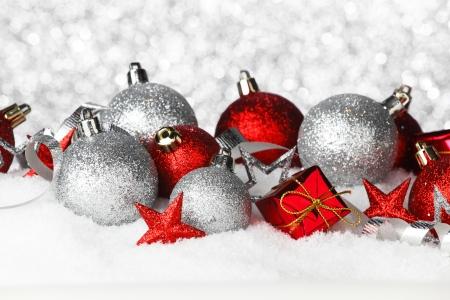Weihnachtskarte mit Dekoration und Geschenke