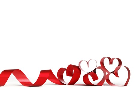 románský: Stuhy ve tvaru srdce na bílém, Valentines Day koncept