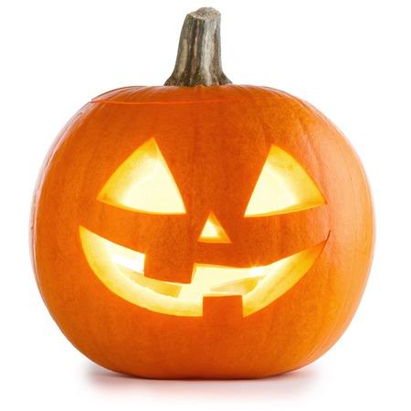 Halloween-pompoen op witte achtergrond wordt geïsoleerd die