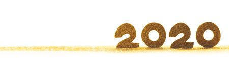 2020 New Year luxury design concept. Golden 2020 New Year horizontal template with golden glitter isolated on white backgound Stockfoto