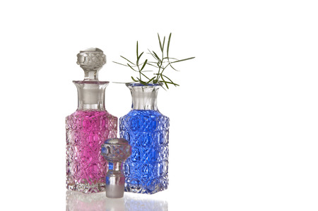 spunky: Pink and blue crystal glass carafe with decorative facet structure