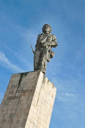 Statue de la chef de la guérilla: Che Guevara à Cuba. Hommage à fighter.Monument communiste et de l'attraction Museum.Tourist Banque d'images - 12475759