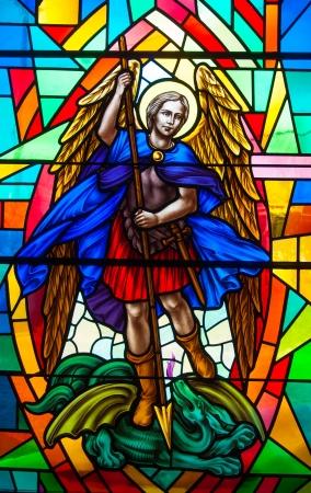 カトリック先生の美しいステンド グラスで宗教的なイメージ。聖書の宗教的な描写