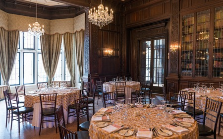 tourist attractions: TORONTO, CANADA-MARCH 8, 2014: Interior design and decoration of: Casa Loma  one of Torontos top ten tourist attractions. Around 300,000 visitors tour Casa Loma and the Estate Gardens each year.
