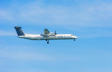 Toronto, Canada, 11 mei 2014: Porter Airlines is een regionale luchtvaartmaatschappij met hoofdkantoor in Billy Bishop Toronto City Airport. Porter werkt lijnvluchten btw Toronto & locaties in Canada en de VS Redactioneel