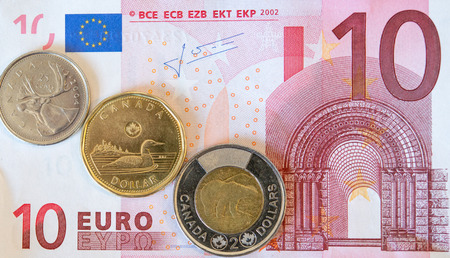 canadian coin: The Canadian dollar or loonie continue to drop compared to other currencies due to the low oil prices one of the main exports of this country.  In addition, the strengh of the US dollar also have had an impact on Canadas currency.