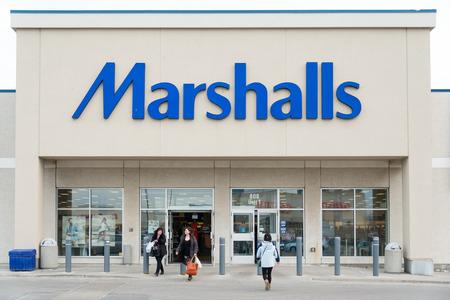 Marshalls, Inc., is een keten van Amerikaanse off-prijs warenhuizen eigendom van TJX Bedrijven. Marshalls heeft meer dan 750 conventionele winkels, evenals grotere winkels genaamd Marshalls Mega Store, die 42 staten en Puerto Rico. Marshalls uitgebreid naar Canada