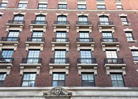 historic district: New York City Historic District Architectural Tours: Marvellous vintage buildings from different epochs and styles conserved for the tourist to see. New York City is the major entrance to legal inmmigration in the USA
