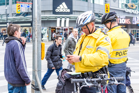 Toronto carding practice is very impopular in the city. The are social movements calling for the total elimination. Today, chief of Police Mark Saunders met with Ontario Premier to discuss the practice.