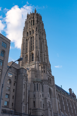 architectural heritage of the world: New York City Historic District Architectural Tours: Marvellous vintage buildings from different epochs and styles conserved for the tourists to see. New York City is an example of heritage conservation to the world.
