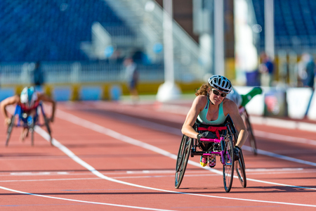 Atletiek in Toronto 2015 Parapan Am Games: Jessica Lewis uit Bermuda stelt nieuwe Parapan Am Record en wint de allereerste medaille voor Bermuda in Vrouwen 100m T53 finale tijdens de Parapan Am Games 2015 in Toronto. Redactioneel