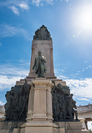 gomez: Jose Miguel Gomez monument sculpture statue in Avenue of the Presidents.  Jos� Miguel G�mez y G�mez was a Cuban who was one of the leaders of the rebel forces in the Cuban War of Independence and President of Cuba from 1909 to 1913.
