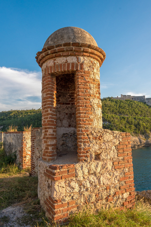 Old colonial remains ruins of Spanish military fortress. Saint Peter of the Rock fort Reklamní fotografie