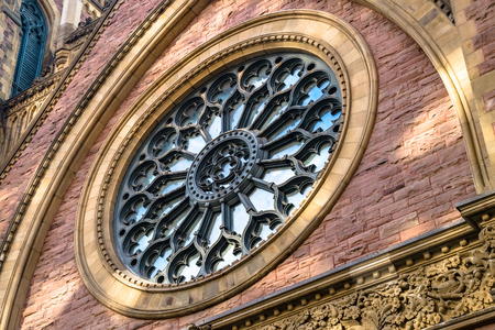 Saint James United Church circular stained glass architectural detail.  It is a Protestant church affiliated with the United Church of Canada. 版權商用圖片