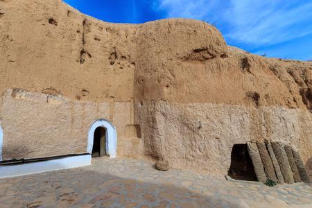 dwelling: Dwelling Berber at Sahara desert, Tunisia.