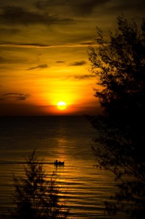 sunrise in the sea Stock Photo - 9510281