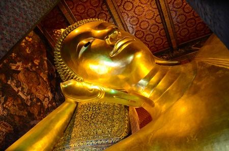 unruffled: Reclining Buddha, Wat Phra Chetuphon Vimolmangklararm , Bangkok, Thailand.