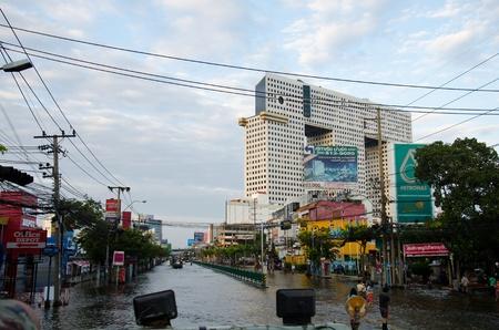 decades: BANGKOK THAILAND � NOVEMBER 13: Scenes from Bangkok during its worst flooding in decades is a major disaster on November 13, 2011  in Bangkok, Thailand. Editorial