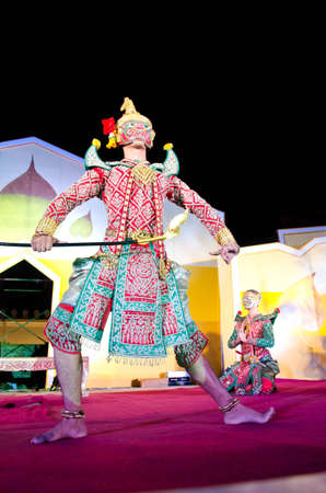 """LOPBURI, THAILAND - FEBRUARY 19 : The unidentified actor perform Thailand Dancing art called """"Khon"""" that high class of dance at the historic on The age of King Narai the Great Fair, on February 19, 2012 in Lopburi, Thailand. Stock Photo - 12280150"""