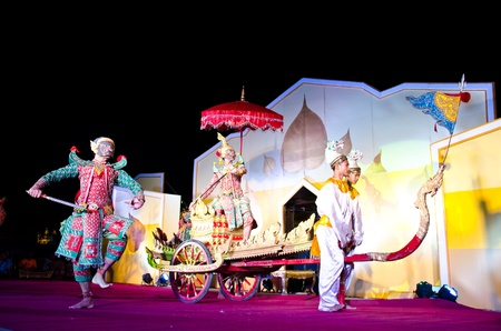 LOPBURI, THAILAND - FEBRUARY 19 : The unidentified actor perform Thailand Dancing art called �Khon� that high class of dance at the historic on The age of King Narai the Great Fair, on February 19, 2012 in Lopburi, Thailand. Stock Photo - 12280148
