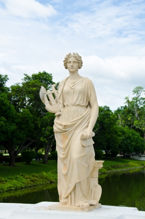 Female statue made of marble   photo