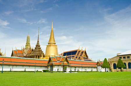Wat pra kaew, Grand palace ,Bangkok,Thailand. photo