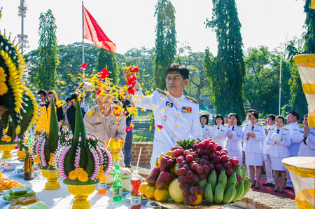 heroic: SING BURI, THAILAND - FEBRUARY 4 : Chalothon Prakord Governor of Sing Buri  respecting soul heroic people of Bangrachan (defence the nation was 277 years ago) at The Bangrachan Heroes Monument, on February 4, 2015 in Sing Buri, Thailand. Editorial