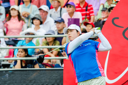 CHONBURI - FEBRUARY 28: Shanshan Feng of China in Honda LPGA Thailand 2015 at Siam Country Club, Pattaya Old Course on February 28, 2015 in Chonburi, Thailand. 에디토리얼