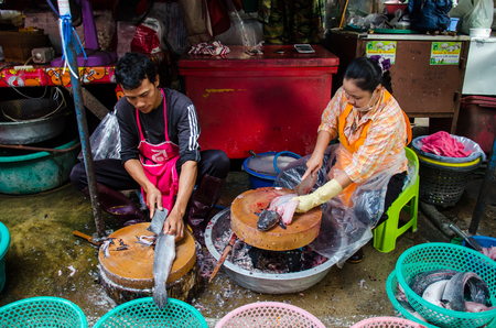 singburi: SINGBURI - FEBRUARY 25 : Unidentified mongers selling food in SingBuri market on February 25, 2016 in Singburi,Thailand. Editorial