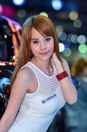'pick up': NONTHABURI - MARCH 26 : Unidentified model with Isuzu Pick up car on display at The 37th Bangkok International Thailand Motor Show 2016 on March 26, 2016 Nonthaburi, Thailand. Editorial