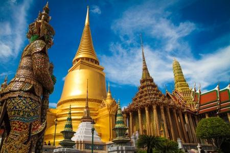 """""""Yak"""" Wat Prakwaew. Der thailand Riese."""