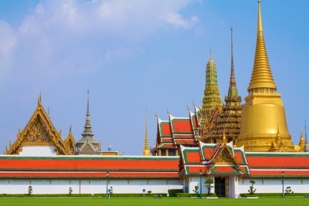 Royal grand palace at Wat Phra Kaew temple, Thailand  photo