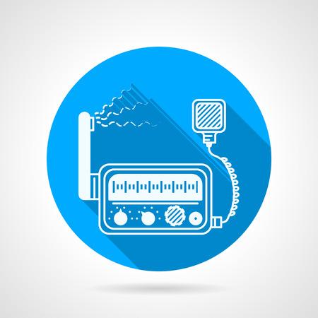 Wohnung blaue runde Vektor-Symbol mit weißer Silhouette UKW-Funk-Transceiver-Station mit Lautsprecher auf grauem Hintergrund. Lange Schatten Design Vektorgrafik